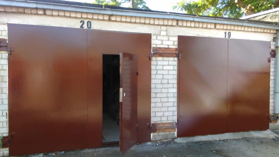 Metaliniai garažo vartai