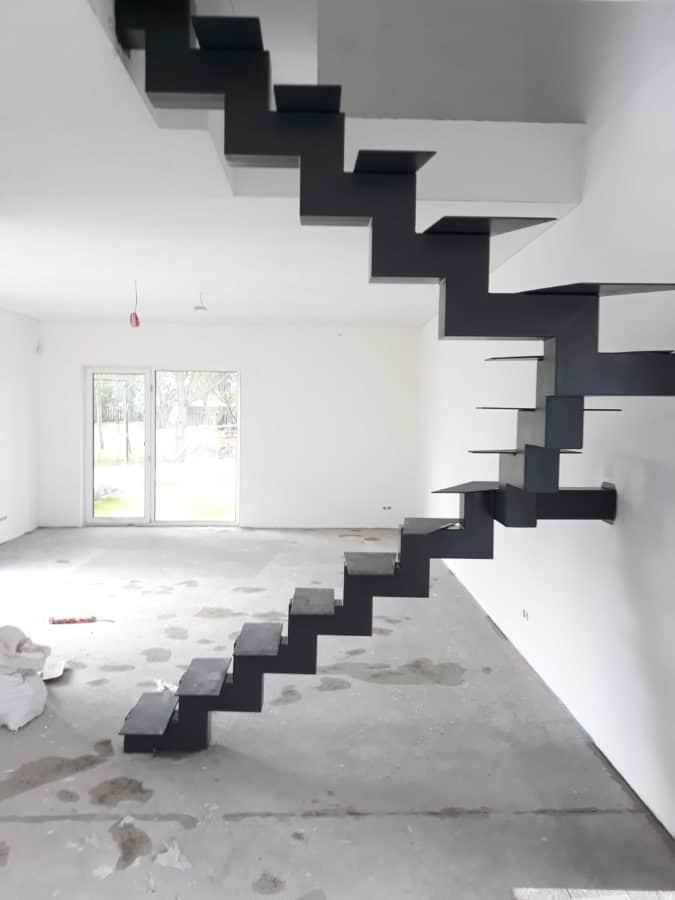Metaliniai vidaus laiptai