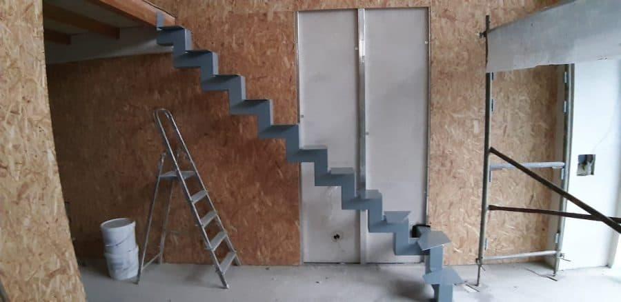 vidaus laiptų metalinė konstrukcija (1)
