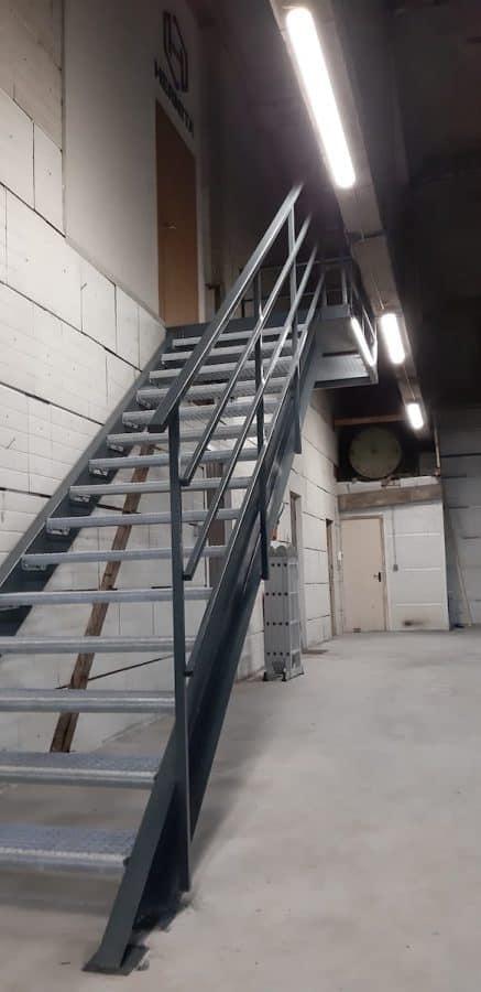 vidaus laiptų metalinė konstrukcija (3)
