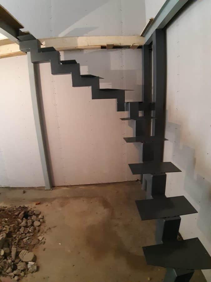 vidaus laiptų metalinė konstrukcija (4)