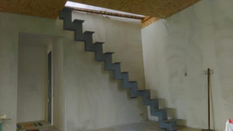 vidaus laiptų metalinė konstrukcija (7)